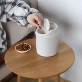 桌面垃圾桶可愛創意家用辦公室小號帶蓋紙簍搖蓋式迷你垃圾收納桶